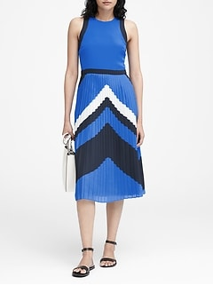 4deb9454eb0 Chevron Pleated Midi Dress