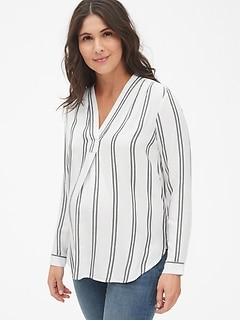 f0a84006d1bad Maternity Stripe V-Neck Popover Shirt